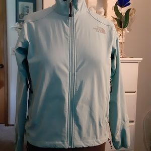 🛍 North Face womens jacket